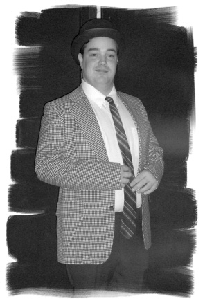 Kevin Hamill as Lou Costello